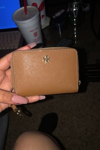 Tory burch wallet (womens)