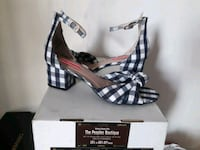 pair of black leather open-toe heels with box Ontario, 91761
