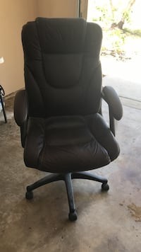 black leather rolling chair Cabo Coral, 33991