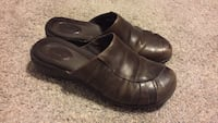 Brown clogs Frederick, 21703