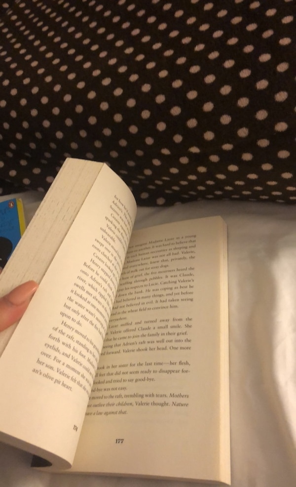 2 books Red riding hood and the fault in our stars 81c4247f-4da6-4a58-b23e-89f62e83be89