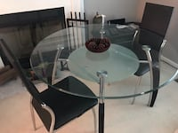 Round clear glass-top table with black steel base Silver Spring, 20906