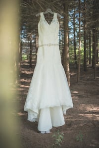 Fit & Flare Lace Wedding Dress - IVORY Brantford, N3R 5G1