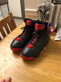 pair of black-and-red Nike basketball shoes Clarksville, 42223
