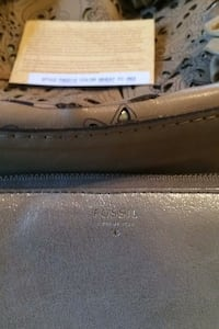 BRAND NEW Designer purse w/ gently used fossil wallet
