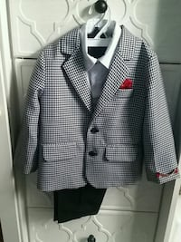white and black houndstooth coat 42 km