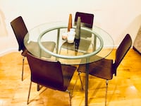 Round clear glass table and chair set