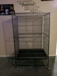 large flight cage w/accessories!