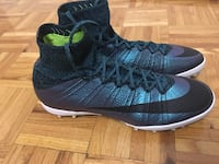 Pair of blue-and-black nike basketball shoes Toronto, M1H 2Y4