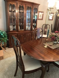 Oval solid cherry dining room furniture Anderson, 46012