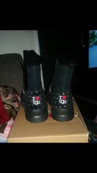 Uggs boots size 5 brand new! Centreville, 20120