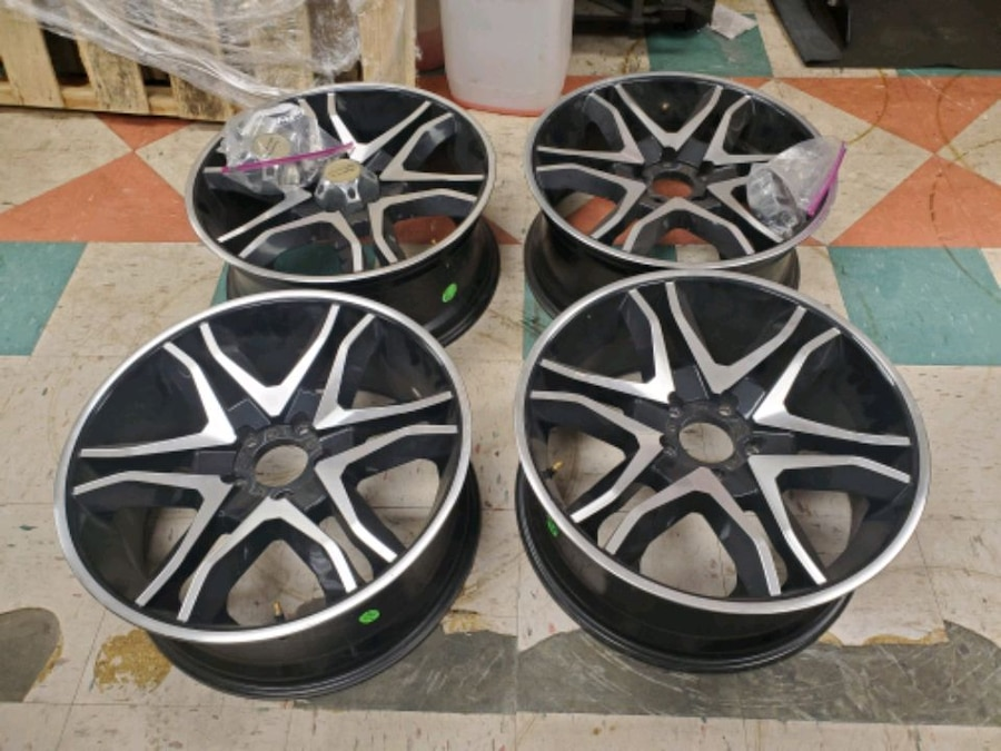 Photo Used 19 Chevy Wheels