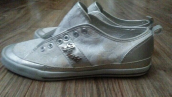 Women's Guess ???? shoes size 6 68ede998-2f08-480c-87b1-dbc20bad3552
