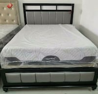 Tufted glamorous bed frame queen Las Vegas, 89109