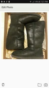 Shimmery tall black uggs size 8 Bronx, 10456