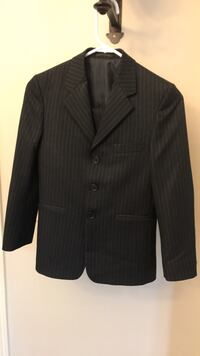Boy's Suit Size 10 Richmond Hill, L4S