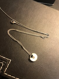 silver chain necklace with heart pendant Toronto, M2N 6V2