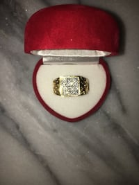 Gold ring  Edmonton, T6R 3G4