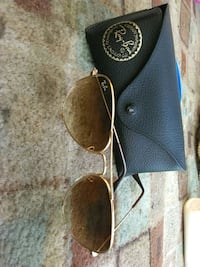 Raybans sunglasses Los Angeles, 91405