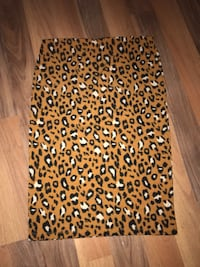 Forever 21 woman's pencil skirt Edmonton, T5C 1S4