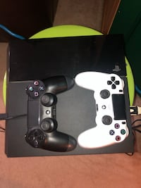 Ps4 with 2 controllers and games Winnipeg, R2J 2A9