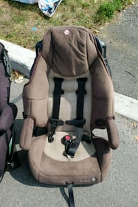 gray and black car seat Laval