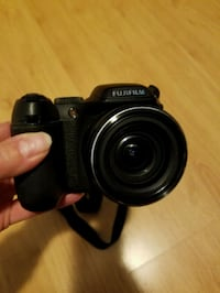 black Fuji Finepix 52000 DSLR camera Toronto, M8Z 5V3
