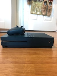 xbox one s limited edition with controller & kinect Schaumburg, 60193