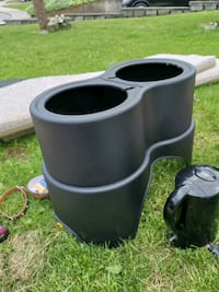 Large breed elevated dog bowl holder