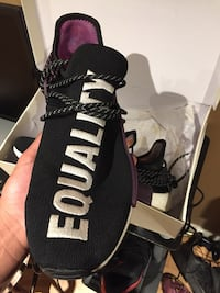 Adidas Pharrell NMD size 13 period negotiable  Mississauga, L5M