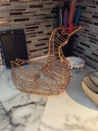 EUC ADORABLE lrg Antique chicken duck egg basket farm house deco Oakville