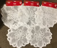8 round 12in white decorative doilies Evansville, 47710