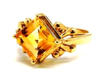 10K Ladies Topaz Ring Norfolk