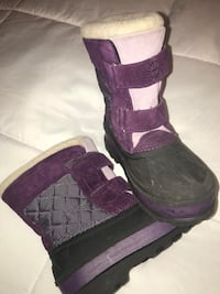 UGG boots size 3 YOUTH Clinton, 20735