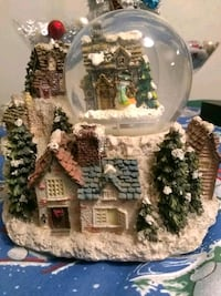 "Musical Christmas Snow Ball 7"" long 7"" height Whitchurch-Stouffville, L4A 0J5"