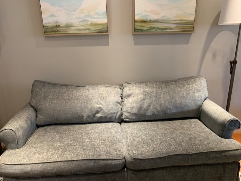 Couch - price negotiable cf47a5fa-3305-4487-9755-1a29443f728d