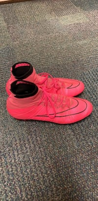 pair of red Nike Air Force 1 high shoes 1622 mi