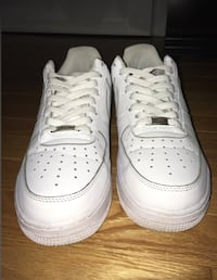 Pair of white nike air force 1 low Toronto, M6M 2E6