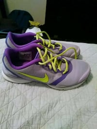 Nike shoes like new size 7 College Station, 77840