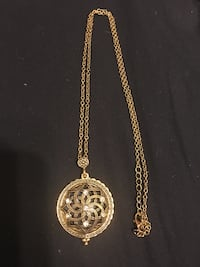 round gold-colored pendant necklace Peterborough, K9H 3E4