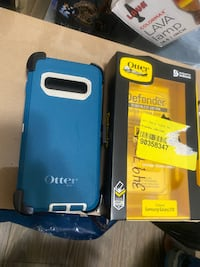 Otterbox Defender Samsung S10 Only, blue, New with belt clip Toronto