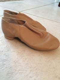 Size 11 1/2 leather jazz dance shoes. Palm Harbor, 34677