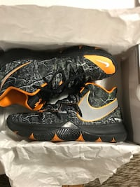 Nike Kyrie Irving Taco size 10 In men Indianapolis, 46228