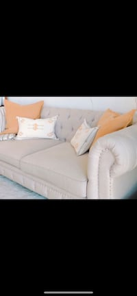 LOVE SEAT / COUCH  Miami, 33131