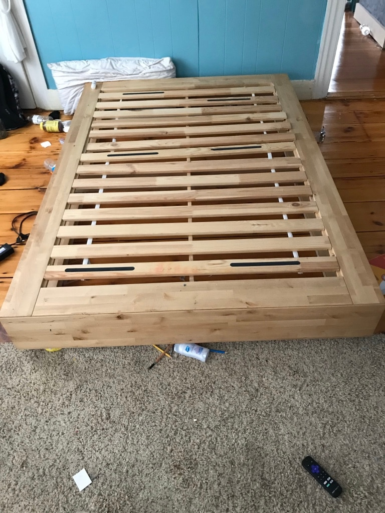 Photo Full sized Ikea Mandal platform bed with drawers