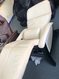 Svago- zero gravity recliner- heat and massage  Alexandria, 22314