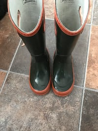pair of black-and-brown rain boots Saguenay, G7X