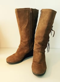 Suede boots with wedge heel Ottawa, K2P 0E2