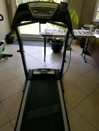 Treadmill- like new, hardly used Newmarket, L3Y