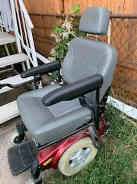 eletric chair everythin work and has batt charger Middle River, 21220